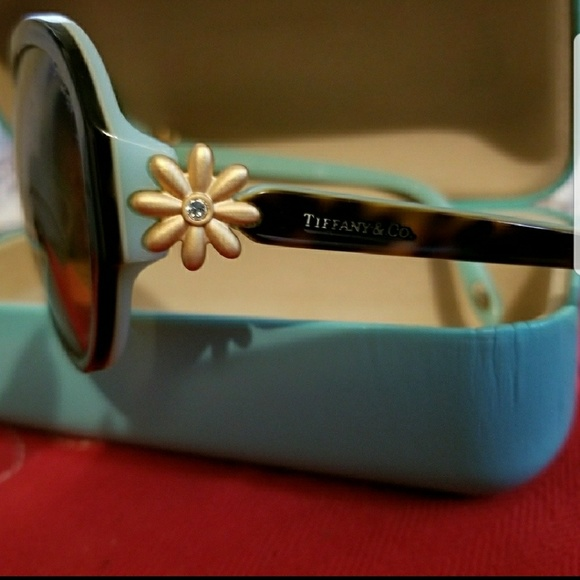 a143d936c71 Tiffany   Co. Authentic Sunglasses. M 5a6d00dc2ae12ffdeed44966. Other  Accessories ...